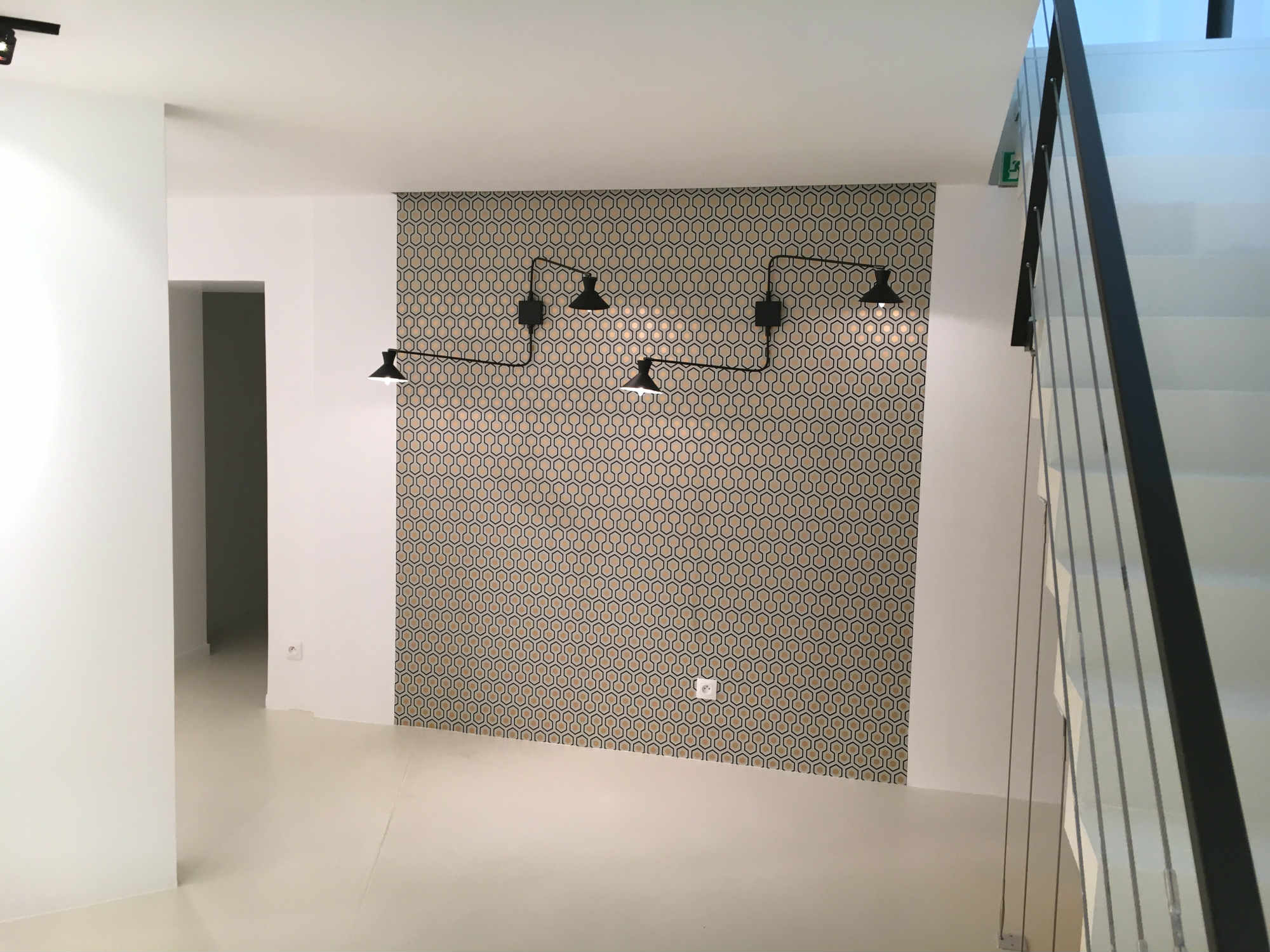 2017 travaux renovation showroom espace commercial Paris 7eme_Eolh btp france 4_BD