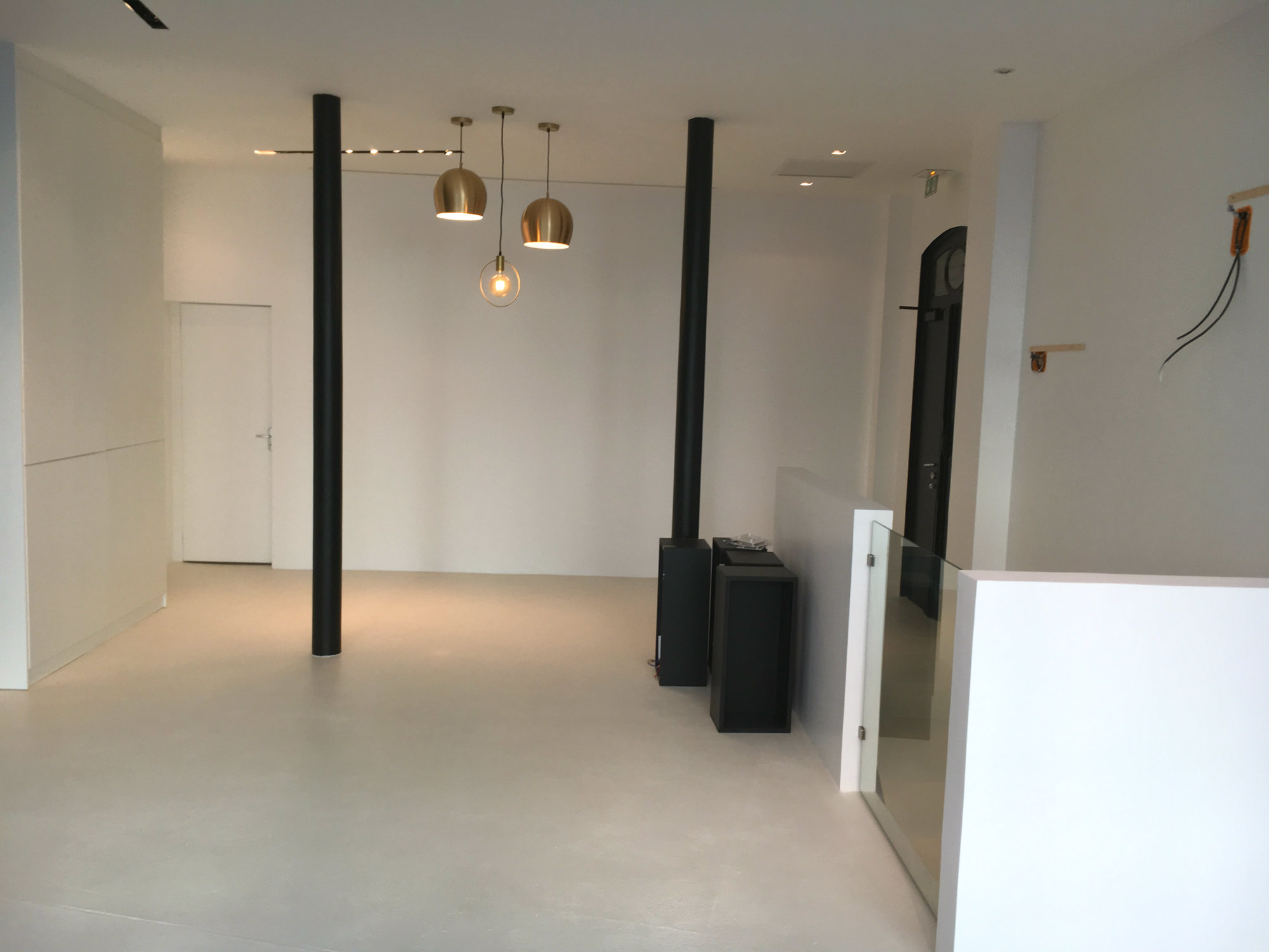 2017 travaux renovation showroom espace commercial Paris 7eme_Eolh btp france 5_BD